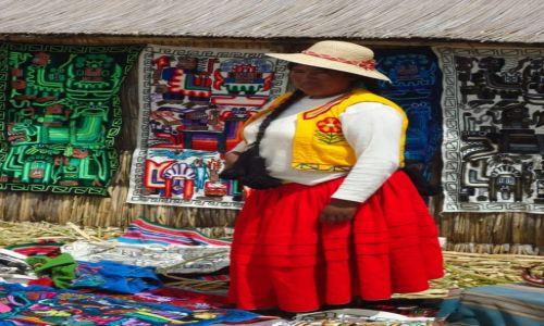 Zdjecie PERU / Puno / Wyspy Uros / Kobieta
