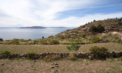 Zdjęcie PERU / Puno / Wyspa Taquile (Titikaka) / Widok z jeziorem ....