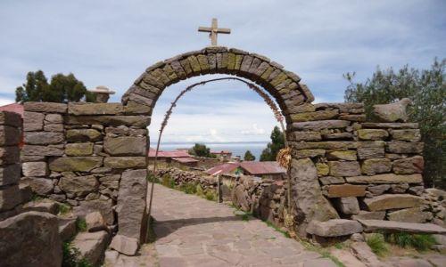 Zdjęcie PERU / Puno / Wyspa Taquile (Titikaka) / Brama