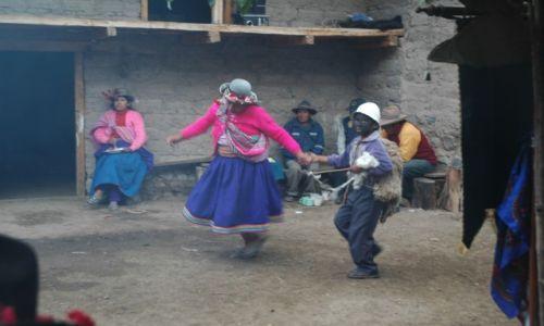 PERU / Arequipa / Cahuana / Taniec