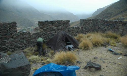 PERU / Arequipa / Chincayallapa / prawie idealne miejsce na namiot (zdj. do art)