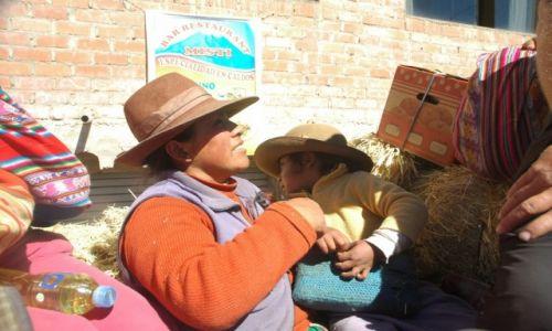 Zdjecie PERU / Arequipa / w drodze z Antabamby / właścicielka