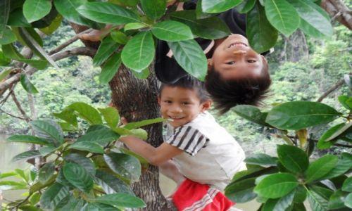 Zdjecie PERU / Amazonia / san mateo / indianie matses-nowe pokolenie