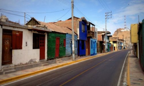 Zdjecie PERU / Caraveli / Chala / ulica.