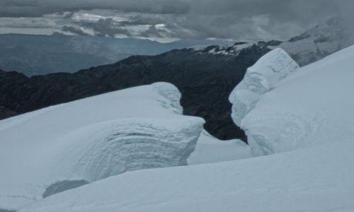 PERU / Huaraz / Cordillera Blanca  / Co widzisz na tym zdjęciu. Zejście ze szczytu Tocllaraju