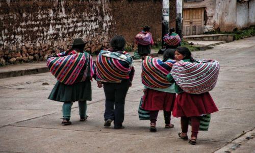 Zdjęcie PERU / Cusco  / Kaczora /  Peruwiańska codzienność w Andach
