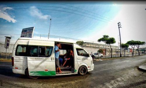 Zdjęcie PERU / Lima / lima / El cobrador w akcji