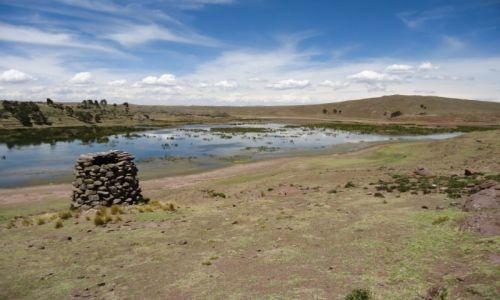 Zdjęcie PERU / Puno / Sillustani / Samotny grobowiec