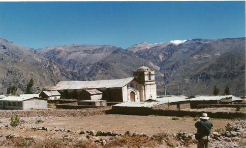 Zdjęcie PERU / Płd. Peru / Huancavelica / Kościół w Andach