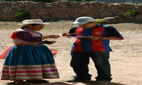 Zdjecie PERU / brak / Wiejski przystanek autobusowy / Sprzedaż biletu