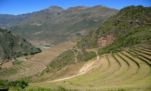 Zdjecie PERU / Andy / Święta Dolina Inków / Droga do riun Pisac - tarasy