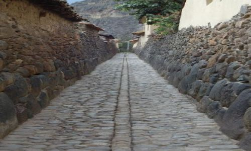 Zdjecie PERU / brak / Ollantaytambo / Typowa inkaska ulica