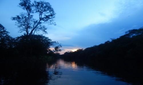 Zdjęcie PERU / Iquitos / Amazonia / Zachód słońca nad Amazonią