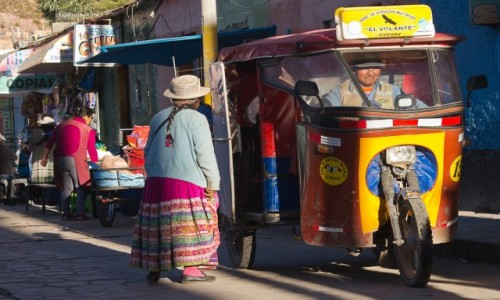 Zdjęcie PERU / Arequipa / Chivay / Pani wsiada?
