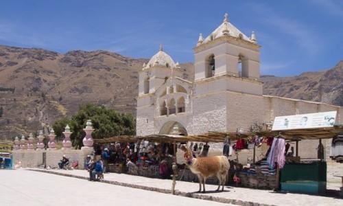 PERU / Arequipa / Colca Valley / Kościół w Maca