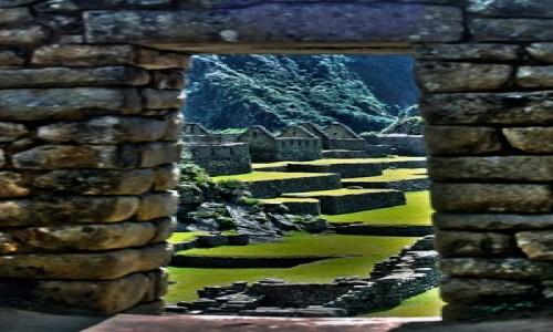 PERU / Cusco / Machu Picchu / Widok na plac centralny w Machu Picchu