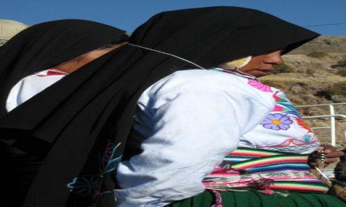Zdjęcie PERU / Puno - Jez Titicaca / Wyspa Amantani / kobieta z wyspy Amantani
