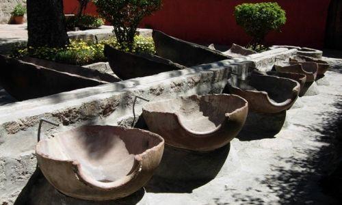 Zdjecie PERU / brak / Arequipia / Arequipia - klasztor Santa Catalina (a to są balie, których mniszki używały do prania)