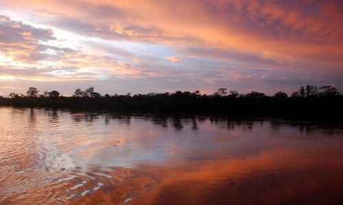 PERU / polnocne Peru / rzeka Maranon / na rzece Maranon