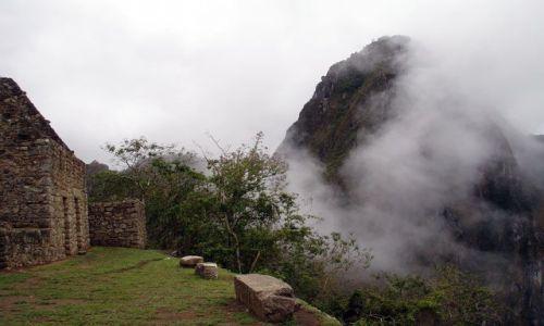 PERU / brak / Machu Picchiu / Ruiny Machu Picchu.szczyt Wayna Picchu i mgla