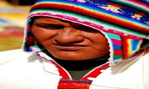 PERU /  jezioro Titicaca / wyspa Uro / Mieszkaniec Uros. Peru. Wrzesień 2009