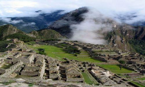 Zdjęcie PERU / Andy / Kordyliery / Machu Picchu ...we mgle Wayna Picchu.