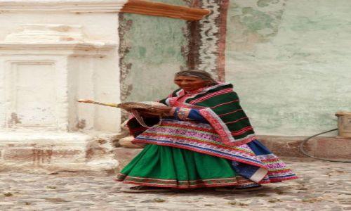 Zdjęcie PERU / Andy / Kordyliery / Elegantka...po mszy