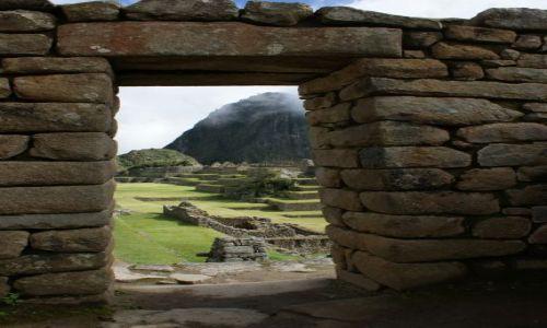 Zdjecie PERU / Machu / Picchu / Waynapicchu w oddali