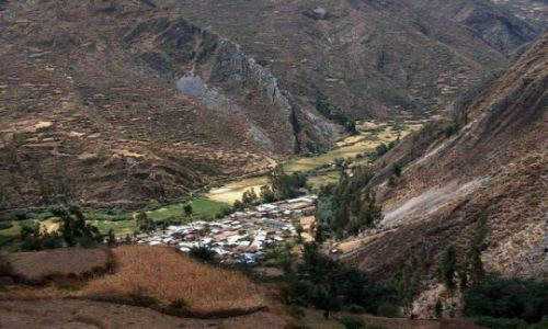 Zdjęcie PERU / Cordillera Huayhuash / Szczyt Pampa Llamac / Wieś Llamac
