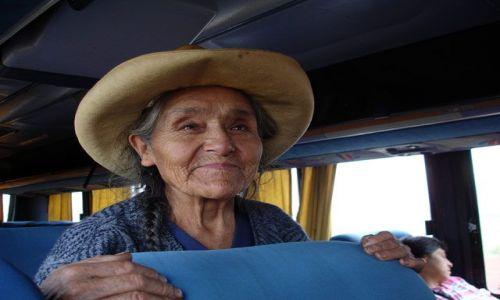 Zdjecie PERU / brak / W drodze do Huaraz / Peruwianka