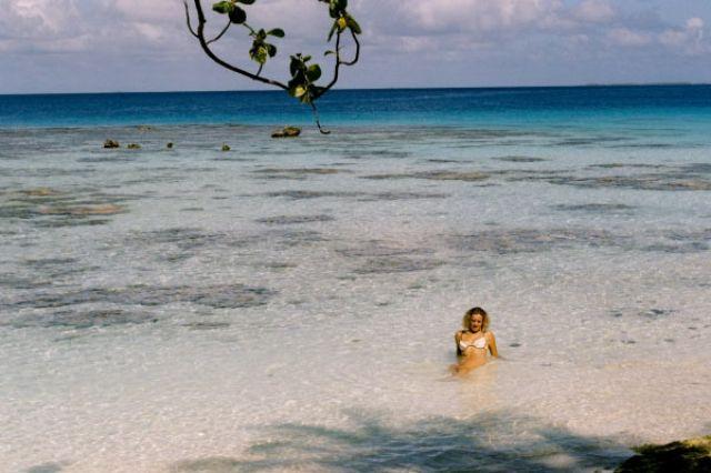 Zdjęcia: środek atolu ( 8 km do wioski) pole namiotowe, Wyspa Fakarava, Ogród koralowy - tuż przy brzegu, POLINEZJA FRANCUSKA
