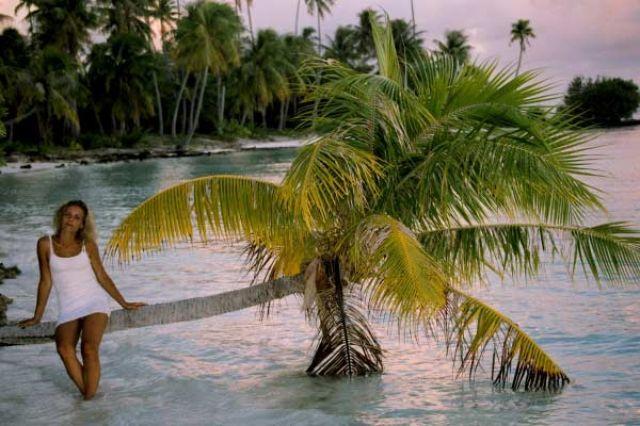 Zdjęcia: środek atolu ( 8 km do wioski) pole namiotowe, Wyspa Fakarava, Pomoczyć nózki, POLINEZJA FRANCUSKA
