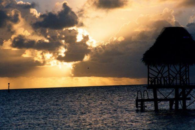 Zdjęcia: środek atolu ( 8 km do wioski) pole namiotowe, Wyspa Fakarava, Kochać to nieznaczy zawsze to samo, POLINEZJA FRANCUSKA