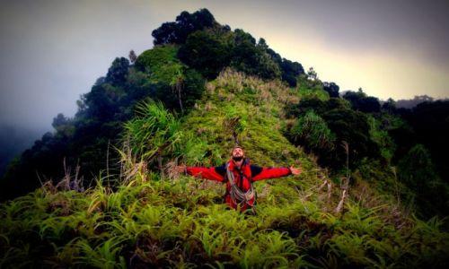 Zdjecie POLINEZJA FRANCUSKA / Markizy (Marquesas Islands) / Hiva Oa / Z głową w chmurach