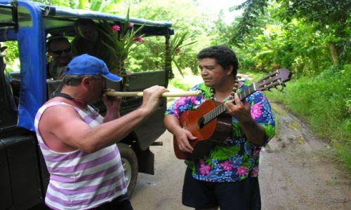Zdjęcie POLINEZJA FRANCUSKA / Raiatea / Dzungla tropikalna / Blus na bambusie