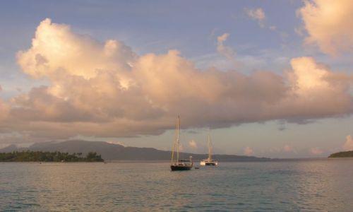 Zdjęcie POLINEZJA FRANCUSKA / Raiatea / Laguna / Kotwicowisko na lagunie
