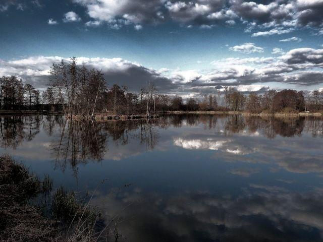 Zdjęcia: Uchań, łódzkie, Zatopione chmury, POLSKA