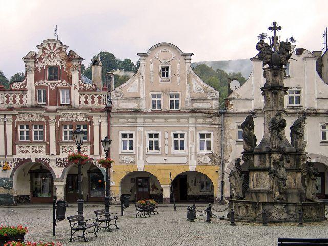 Zdjęcia: Lądek Zdrój, Kamieniczki w rynku, POLSKA