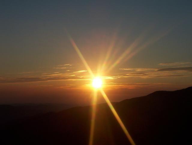 Zdjęcia: Schronisko Dom Śląski, Karkonosze, Wschód słońca w Karkonoszach, POLSKA