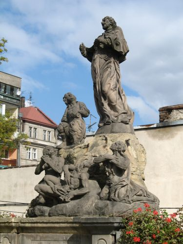 Zdjęcia: KLODZKO, ZIEMIA KŁODZKA, RZEŻBA NA MOŚCIE, POLSKA