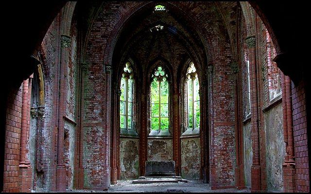 Zdjęcia: zamek w Kopicach, woj.Opolskie, kaplica, POLSKA