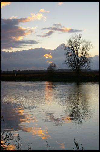 Zdj�cia: rzeka Odra ko�o Krapkowic, �lask Opolski, zach�d s�o�ca, POLSKA
