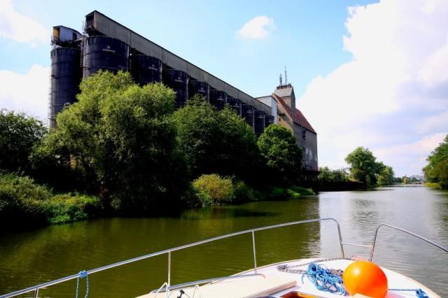 Zdjęcia: Odra, Odra, To zobaczyłam płynąc wyczarterowanym jachtem motorowym z Wrocławia do Gliwic, POLSKA