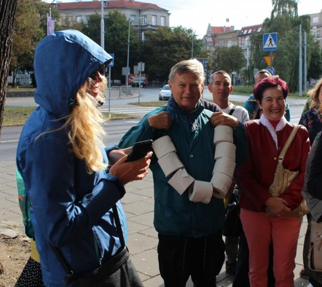 Zdjęcia: Szczecin, Zachodniopomorskie, Girlanda z papieru toaletowego, POLSKA