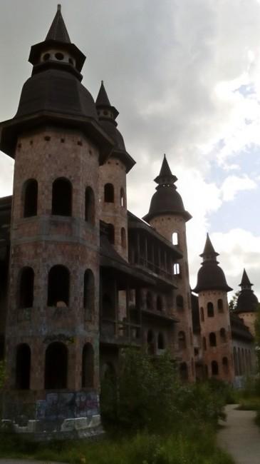 Zdjęcia: Łapalice, Szwajcaria Kaszubska, Zamek w Łapalicach, POLSKA
