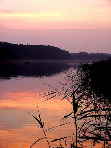 Zdjęcia: Jez. Dąbrowa Mała - okolice Dąbrówna, Mazury, Zmierzch nad jeziorem, POLSKA