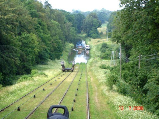 Zdjęcia: Kanał Ostródzki i słynne pochylnie, Mazury, Na wodnym szlaku, POLSKA