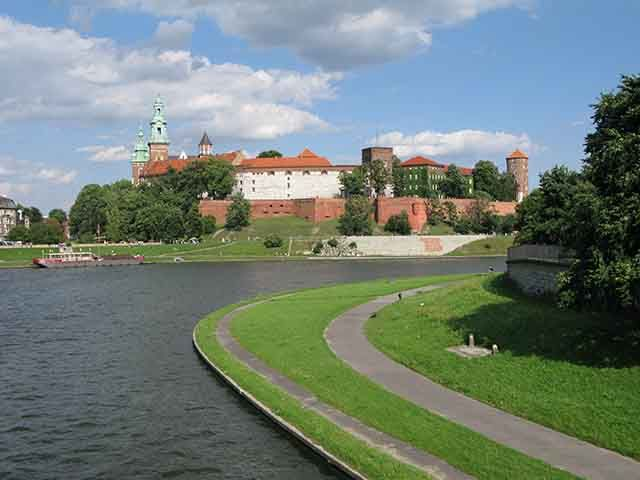 Zdjęcia: Kraków, Wawel od strony mostu Dębnickiego, POLSKA
