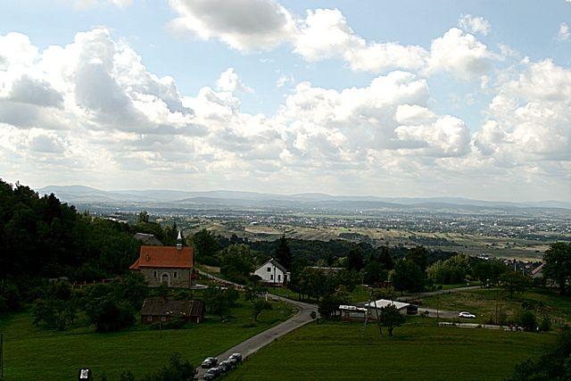 Zdj�cia: okolice Krosna, Podkarpacie, W oddali - Bieszczady, POLSKA