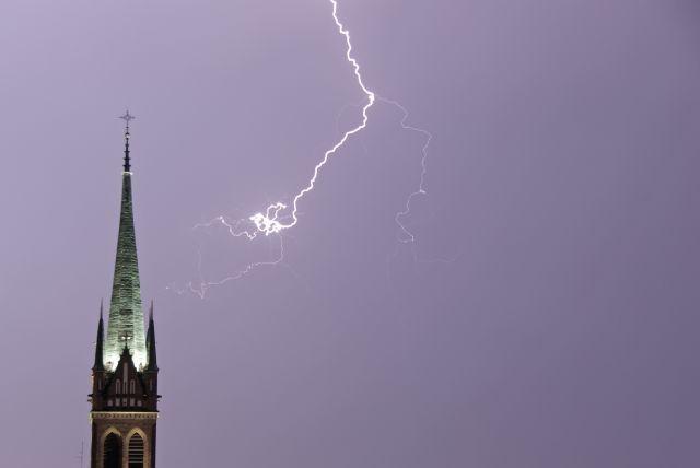 Zdjęcia: Warszawa, Mazowsze, Burza, POLSKA